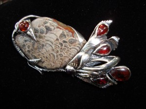 Мушрум Яспис и Гранати – брошка – N198 | Mushroom Jasper and Garnet – brooch – N198