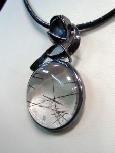 Кварц Турмалин – медальон N350   Quartz Tourmaline – pendant – N350
