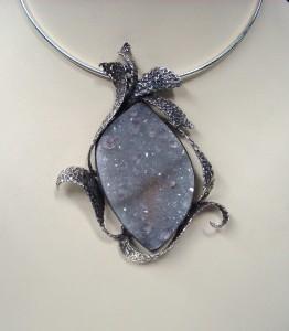 Ахатова друза с Аметистови кристали – медальон – N405 | Agate druze with Amethyst crystals – pendant – N405