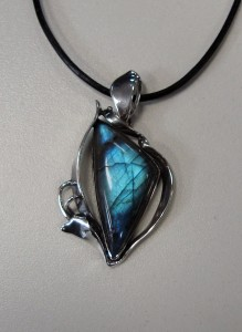 Лабрадорит – медальон – N410 | Labradorite – pendant – N410