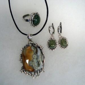 Медальон – Океански Яспис Магадаскар, Обеци и пръстен – Нефрит – комплект – N521 | Ocean Jasper Madagascar – pendant, Nephrite – earrings and ring – set – N521