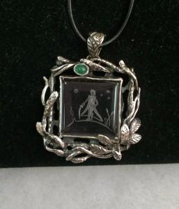 Инталия в Планински Кристал, Изумруд – медальон – N714