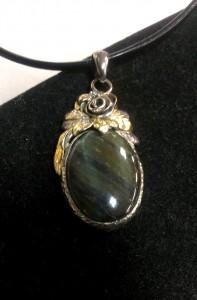 Соколово око, злато, сребро – медальон – N753