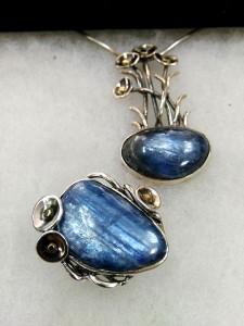 Кианит, Перу. Сребро, злато, патина – комплект – N748