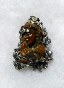 Евридика. Камея в орфеев ахат, цитрин, сребро, злато – медальон – N747