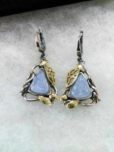 Камеи върху син халцедон, злато, сребро, патина – обеци – N741